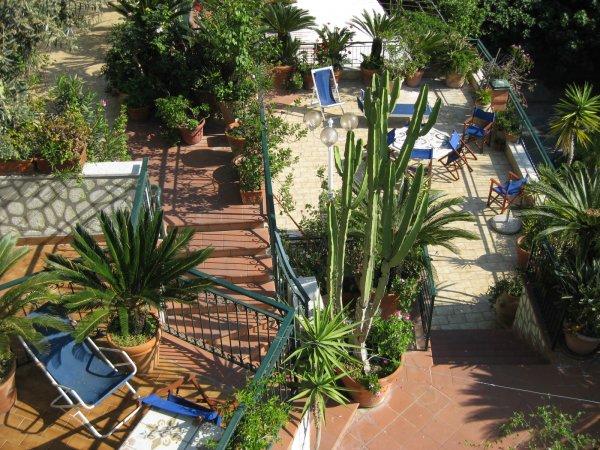 Vico Equense : Hôtel Oriente, un village à flanc de falaise dans la Baie de Naples 8