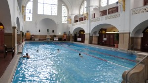 Swimming Pool and Spa in Munich 1