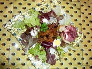 Salade ardéchoise à la ratatouille et aux Picodons (Recette française) 1