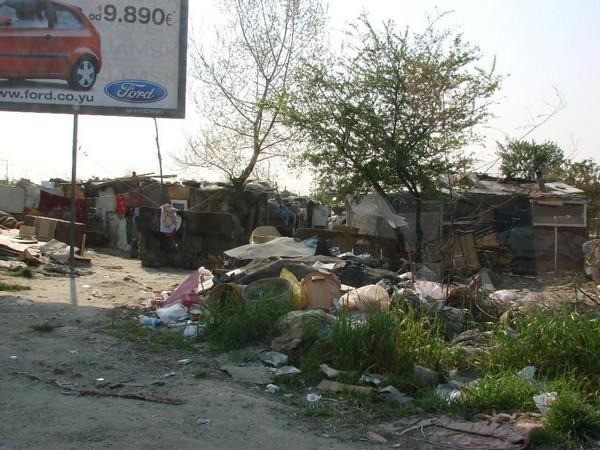 bidonville occupé par des tziganes à belgrade