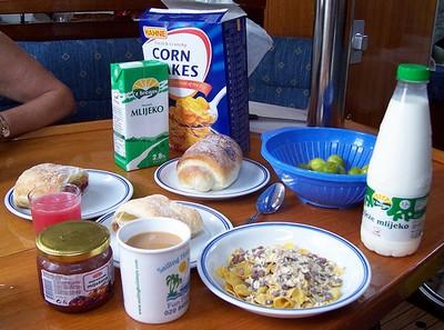 """Que mange-t-on au petit déjeuner en Croatie? Du """"vrai"""" petit déjeuner croate au buffet à l'allemande 3"""