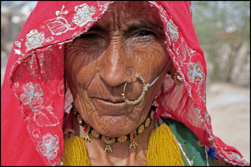 Société indienne : Le monde est rouge 1