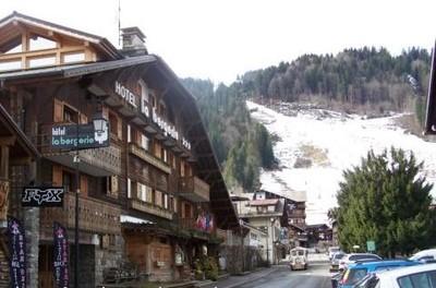 Hotel Haute Savoie : La Bergerie à Morzine ; un chalet authentique 1