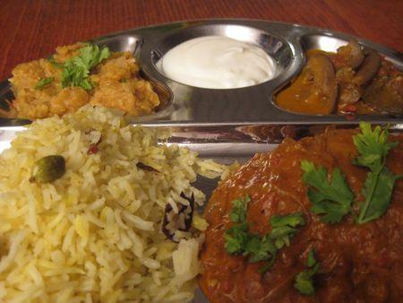 recette indienne curry d 39 aubergines et yaourt un classique. Black Bedroom Furniture Sets. Home Design Ideas