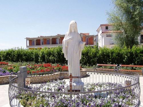 Medjugorje, un véritable lieu de pèlerinage catholique (Tourisme Bosnie) 6