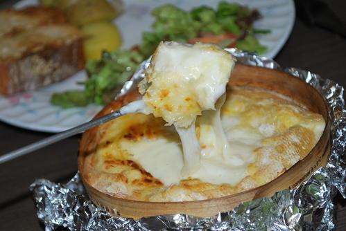 Mont d'or grillé à l'ail et au vin blanc et ses mouillettes (Recette franc comtoise)  1