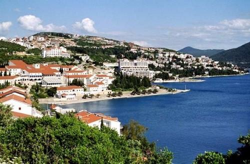 Neum ; la voie de la mer Adriatique de la Bosnie Herzégovine