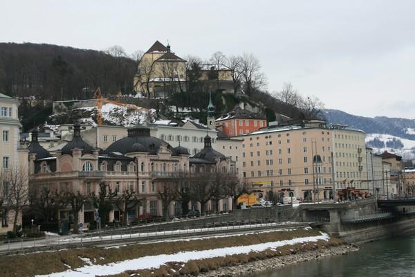 salzbourg maisons et riviere Salzach