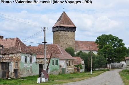 Barcut (Bărcuţ) ; village saxon et église fortifiée de Transylvanie