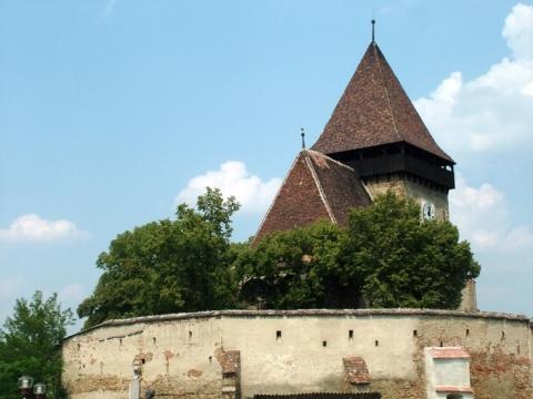 Axente Sever (Frauendorf) ; village saxon et église fortifiée de Transylvanie