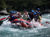 rafting au montenegro sur la rivière tara