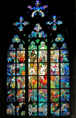 Vitrail Mucha à la cathédrale Saint Guy