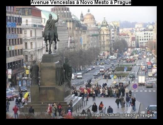 Place Venceslas Václavské náměstí à Novo Mesto (Visiter Prague) 1
