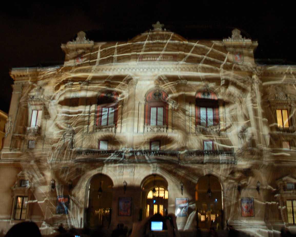 Lyon célèbre la Fête des Lumières 1