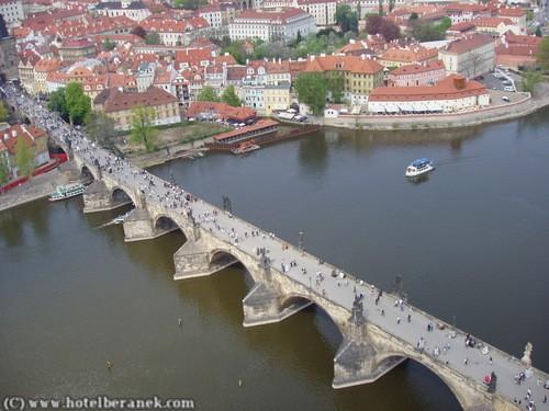 Visiter Prague : Karluv Most ; le pont Charles