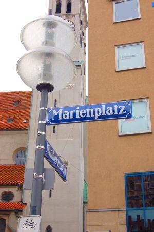 marienplatz munich panneau