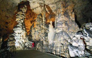 postojna grotte slovenie