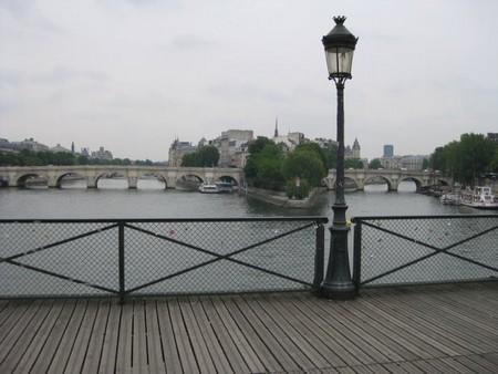 Les cadenas des amants du pont des arts guide paris tourisme ideoz voyages - Pont des cadenas paris adresse ...