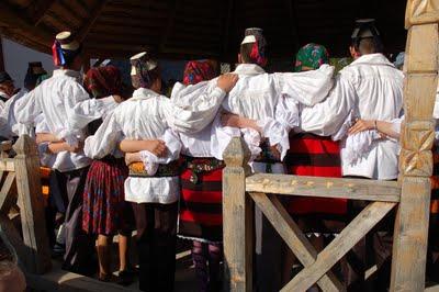 danse folklorique roumanie