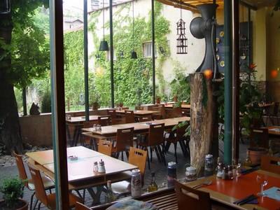 magicka zahrada salle restaurant prague