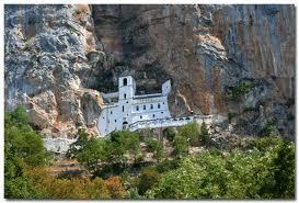 ostrog monastere orthodoxe du monetenegro