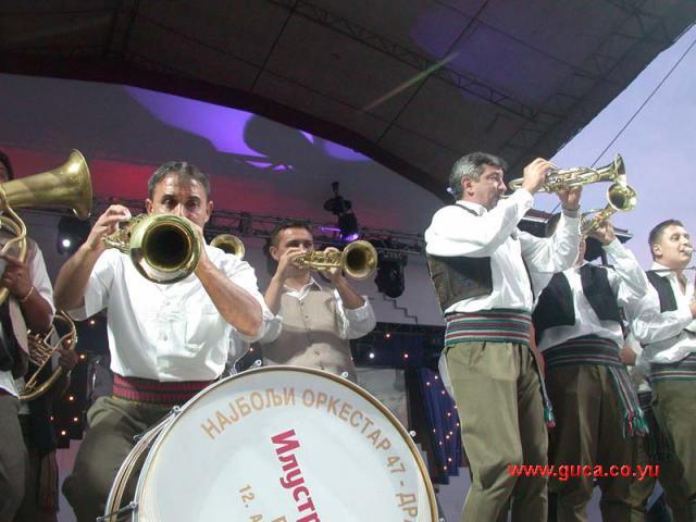 Guca festival Gucha Dragaveco  : le festival des fanfares en Serbie 20