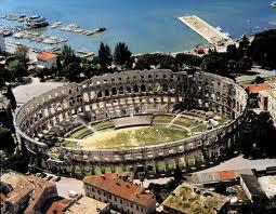 pula amphitheatre romain