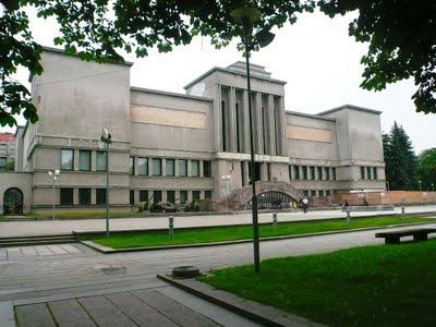 Visiter Kaunas, ancienne capitale de Lituanie : sa cathédrale et son musée militaire 3