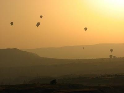 La Cappadoce de Göreme à Derinkuy:  villes souterraines et paysages lunaires uniques 6