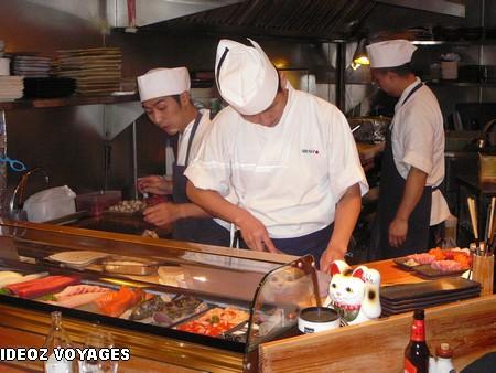 Ou manger a barcelone bons restaurants barcelone - Restaurant japonais cuisine devant vous ...