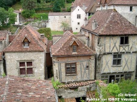 Saint Cirq Lapopie village de france lot