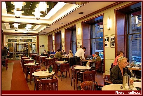 kavarna slavia cafe prague