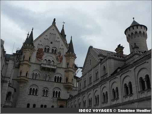Château Neuschwanstein ; château de Louis II de Bavière dans les Alpes Bavaroises 5