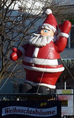 Marche de Noel Munich Pere Noel