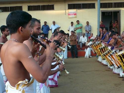 Cochin Kochi musiciens fete du temple