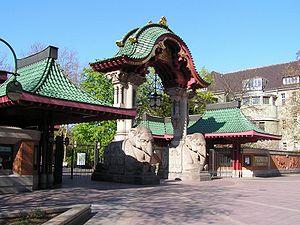 Zoo de Berlin porte des elephants