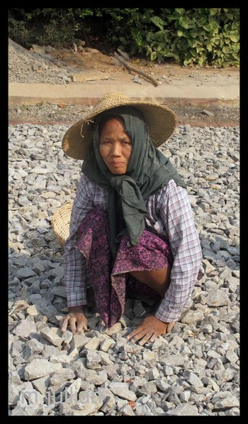 Paya Shwedagon une birmane