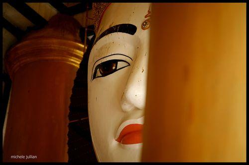 Paya Shwedagon statue masque