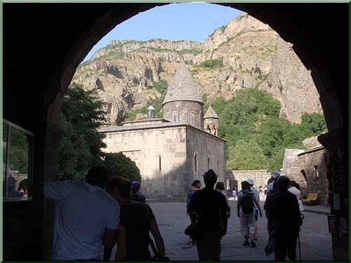 Armenie Monastère Gueghard entree