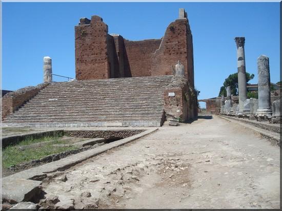 Ostia antica capitolium