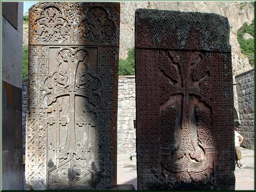 khatchkar monastere gueghard armenie
