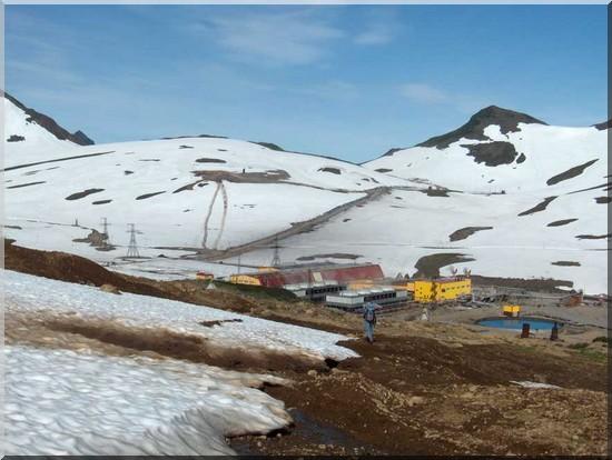 L'usine géothermique sur les pentes du Moutnovski