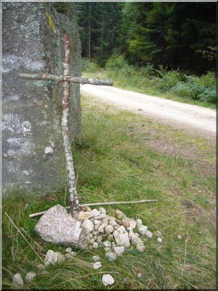 chemin saint jaques de compostelle croix