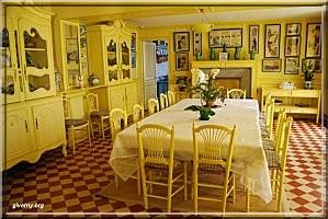 Giverny maison de Monet salle a manger
