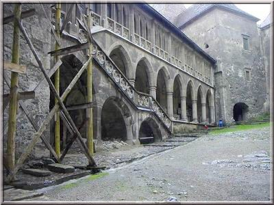 chateau hunedoara transylvanie - escalier