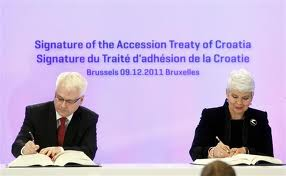 signature du traite d'adhesion a l'union europeenne croatie