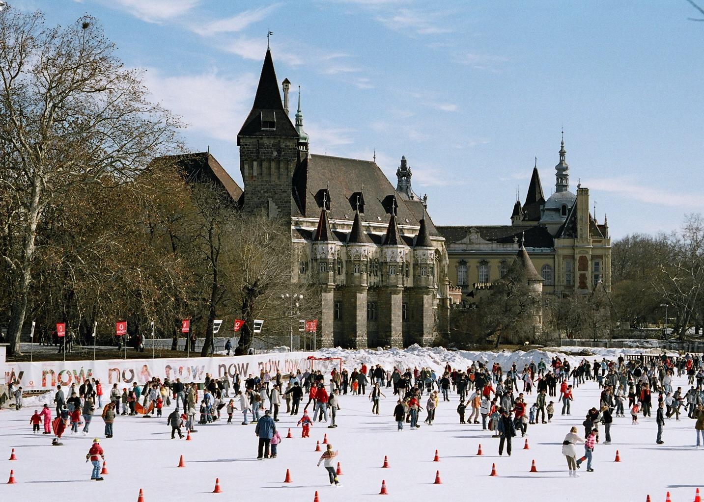 budapest patin à glace au bois-de-ville