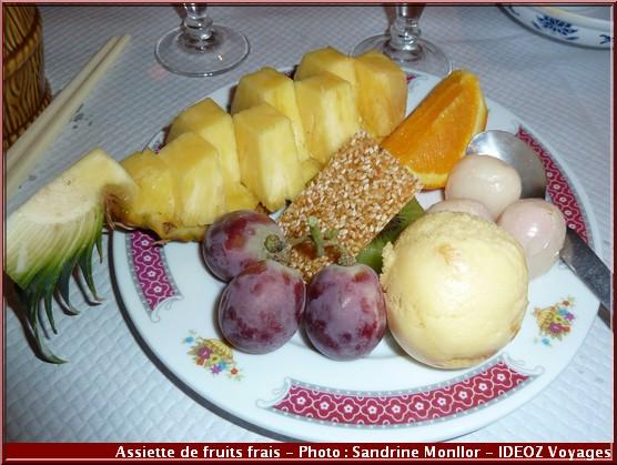 aux delices d'asie restaurant assiette fruits frais