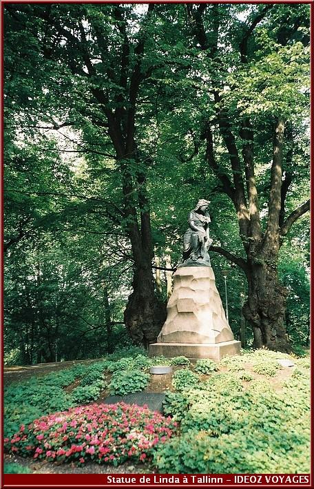 statue de linda Visiter tallinn