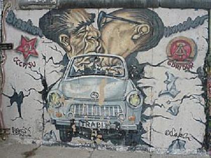 mur de berlin baiser fraternel Léonid Brejnev et Erich Honecker